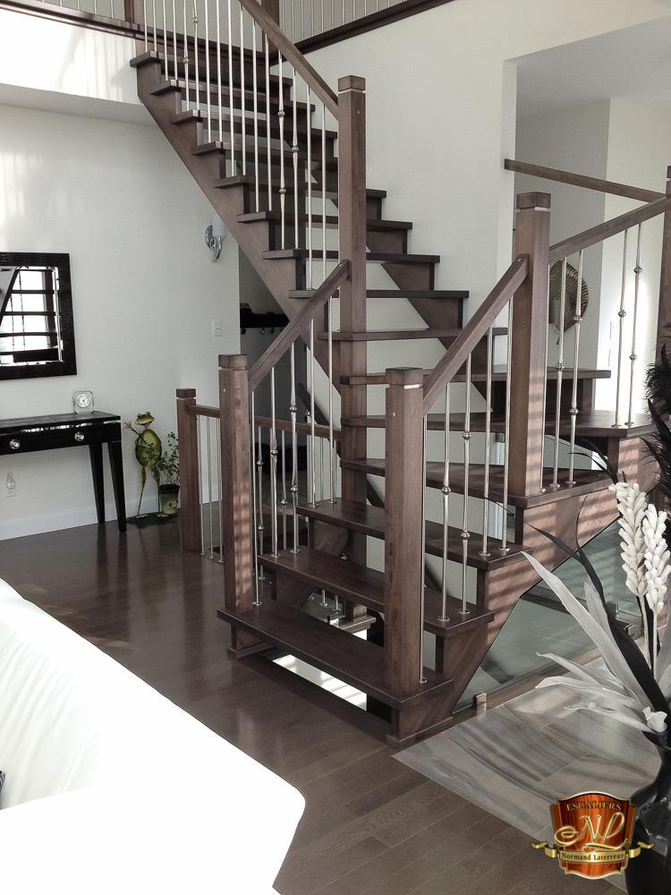 r alisation d escaliers sur mesure qu bec. Black Bedroom Furniture Sets. Home Design Ideas