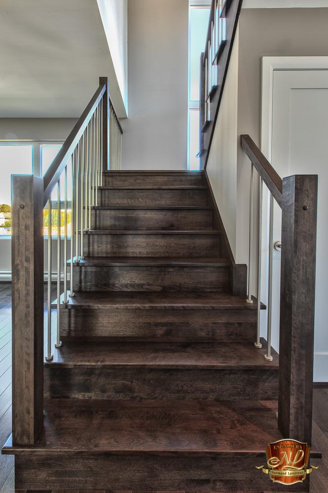escaliers en bois escaliers sur mesure par escaliers normand laterreur. Black Bedroom Furniture Sets. Home Design Ideas